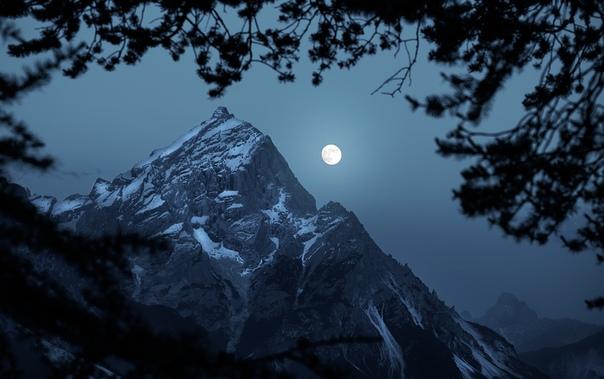 Доломитовые Альпы ночью