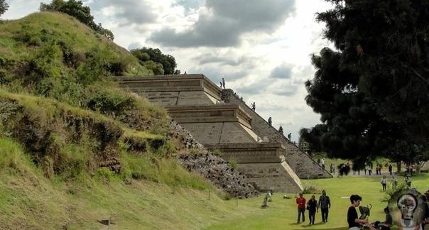 Мексика: археологи обнаружили пирамиду с драгоценными камнями