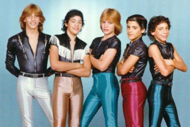 9B9rD6hJhsU - Это были лихие 80-е: Рок-музыканты одевались как могли