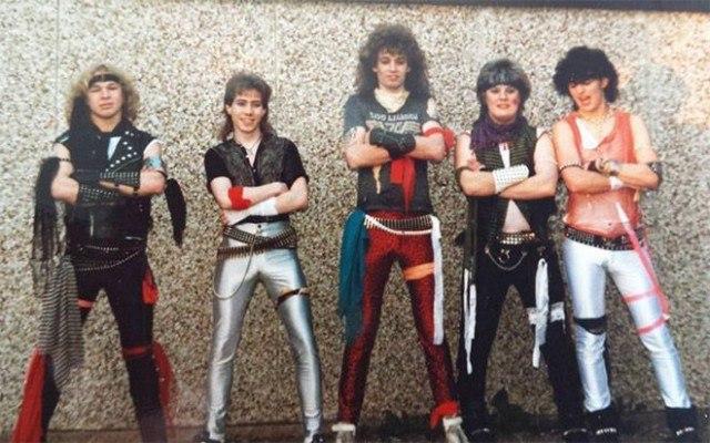 bM aeX 9NkI - Это были лихие 80-е: Рок-музыканты одевались как могли