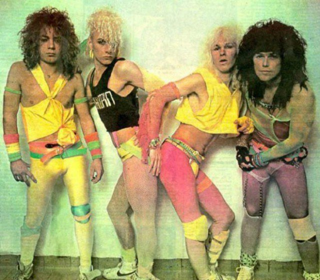 E3DY87TI750 - Это были лихие 80-е: Рок-музыканты одевались как могли