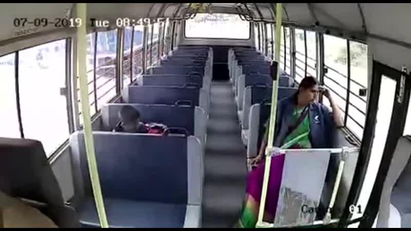 Авария автобуса с ребенком