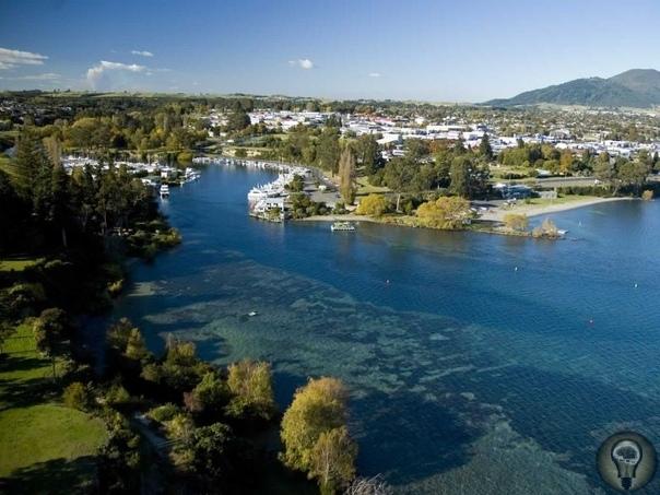 Интересные места в Новой Зеландии 1. Хоббитон Хоббитон это деревня, которую построили специально для съёмок трилогии «Властелин колец». Главная достопримечательность Новой Зеландии недалеко от