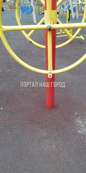 Спортивный тренажер на Рождественской починили по просьбе жителя