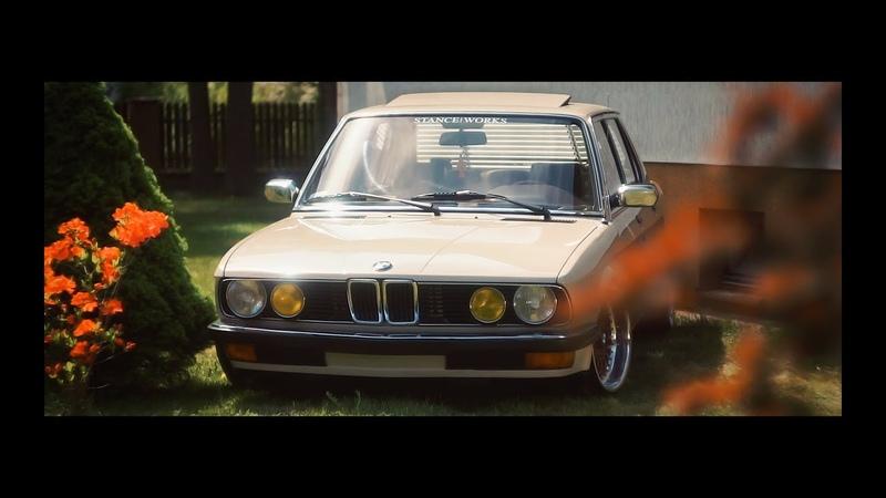Classy Bimmer Cruising BMW e28