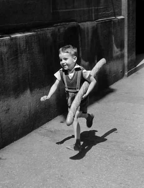 Маленький француз с большим батоном (Париж, 1952 год)