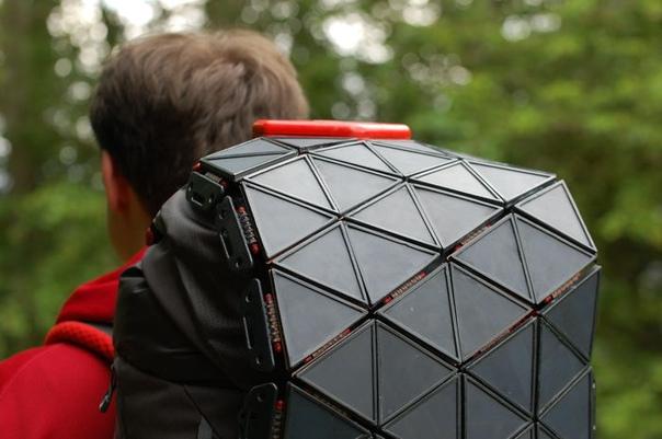 Включи солнце: солнечные батареи, которые легко носить с собой Продукт SunUp предназначен для активного досуга на свежем воздухе и позволяет использовать энергию солнца для зарядки необходимых