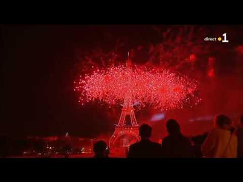 Feu d' Artifice 2019 à la Tour Eiffel de Paris