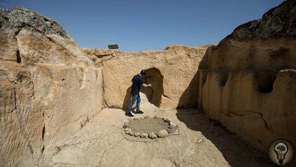 Испанские археологи обнаружили крупнейшее сооружение, построенное иберами В середине бронзового века, где-то между 2100 и 1500 годами до нашей эры, группа переселенцев заселилась на холме возле