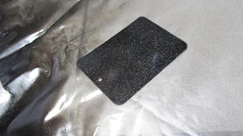 Лак со спецэффектами BOSNY «Алмазный Блеск» / Нанесение на черную глянцевую поверхность