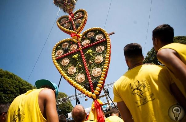 ПОТЕХЕ ЧАС Шесть необычных способов развлечься на острове вечной весны. Канарский остров Тенерифе известен не только своим благоприятным климатом, но и особенным календарем, в котором отмечена