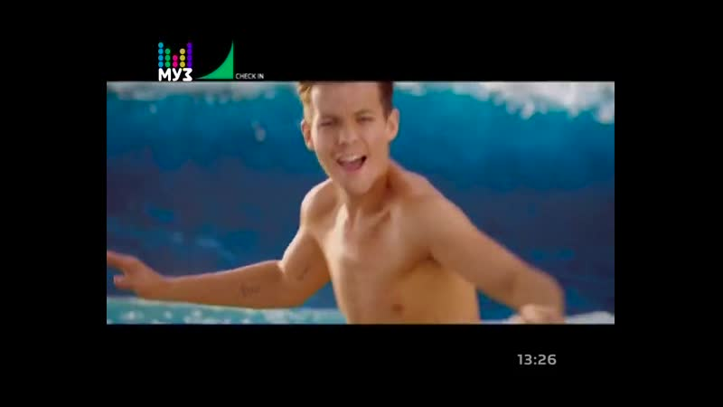 One Direction — Kiss You (Муз-ТВ) Check In