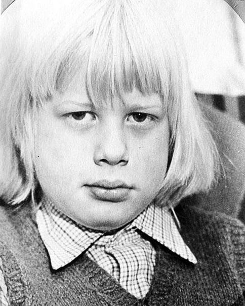 Юный Борис Джонсон - будущий премьер-министр Великобритании. Бельгия. 1970-е.