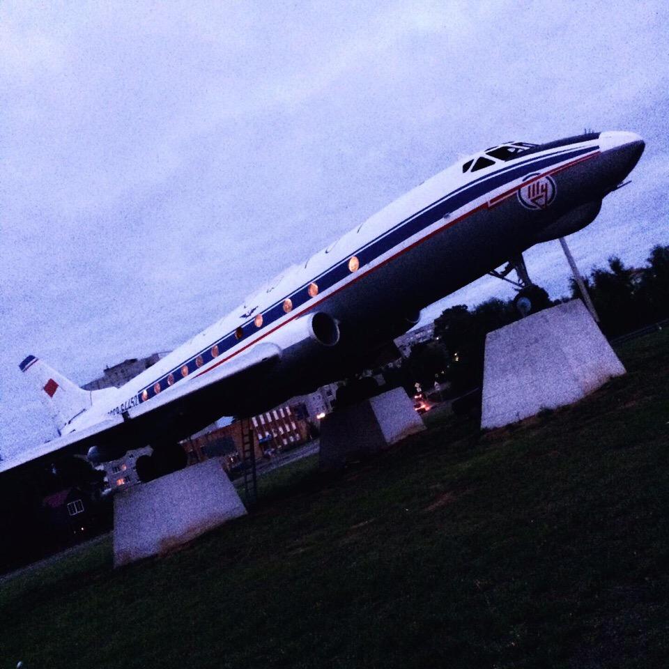 На памятнике самолёту Ту-124 в Кимрах включили подсветку иллюминаторов