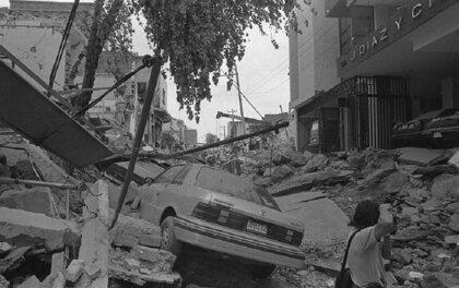 КАК КАНАЛИЗАЦИЯ УНИЧТОЖИЛА ГОРОД. ВЗРЫВЫ В ГВАДАЛАХАРЕ В 1992 ГОДУ.Утром 22 апреля 1992 года второй по величине город Мексики Гвадалахара потрясла серия мощных взрывов. На протяжении четырех