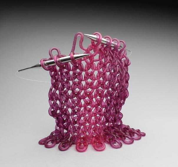 Кэрол Милн: женщина-скульптор, которая смогла связать несвязуемое. В 2006 году у Кэрол Милн, известного канадского скульптора по стеклу спросили: Как вы додумались делать вязаные вещи из