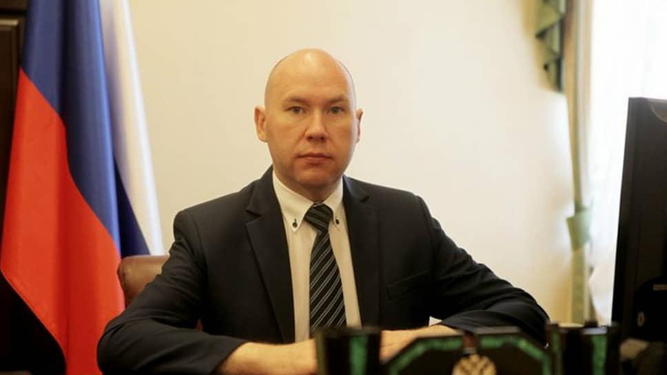 Помощника полпреда президента РФ на Урале - Александра Воробьева арестовали по обвинению в госизмене