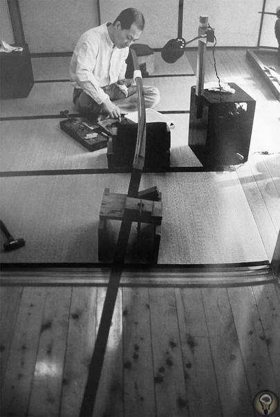 Самые огромные двуручные мечи в мире