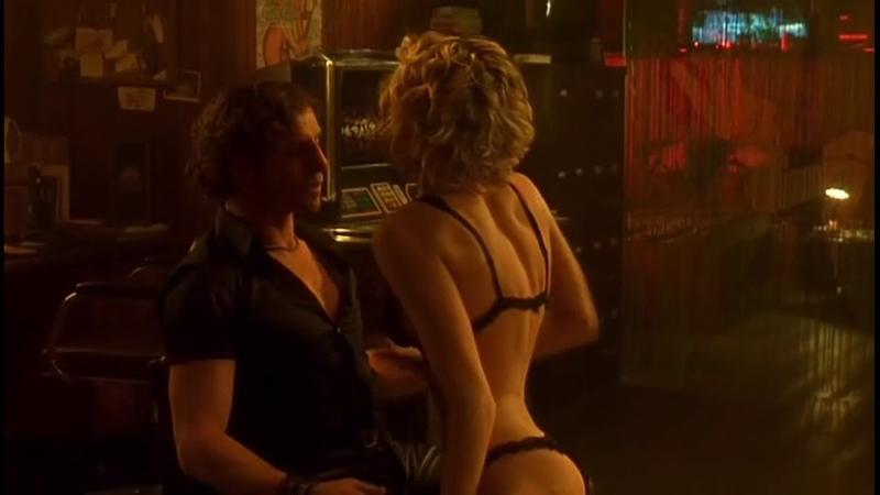 Обольстительный эротический танец из фильма Роковая женщина