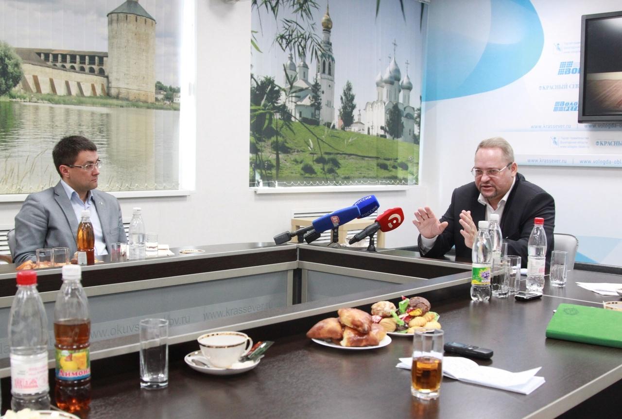 Олег Васильев: «Важно создать в школах Вологодчины комфортную цифровую среду»