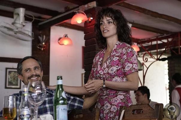 «Осиная сеть» Оливье Ассаяса Фильм о кубинцах, арестованных в США в конце 1990-х по обвинению в шпионаже. В начале 1960-х кубинские политэмигранты сформировали боевую организацию «Альфа 66». В