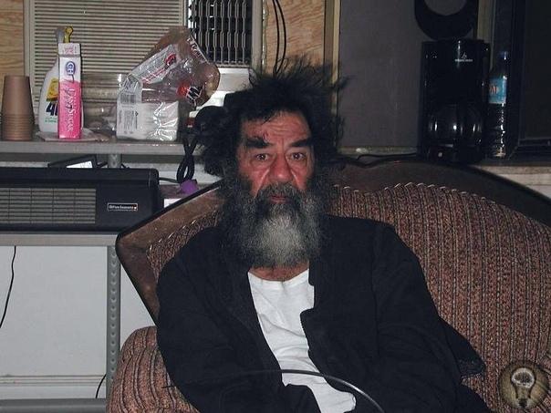 13 декабря 2003 года в районе города Тикрит (Ирак) был арестован Саддам Хусейн.
