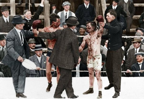 Колоризированное фото 15-раундового боксерского поединка между Roy Campbell и Dic Hyland (Канада, 1913 год