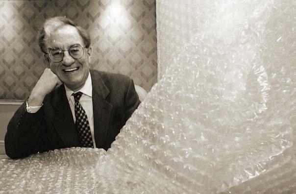 А Вы знали, что изначально пузырчатую пленку применяли для оклейки стен