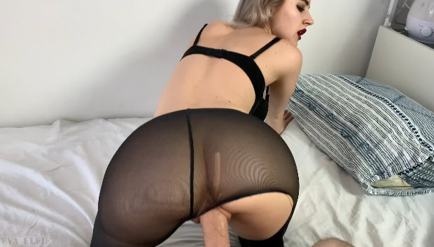 Exclusive Porn Video - Quick Fuck with the Perfect Schoolgirl in Tights