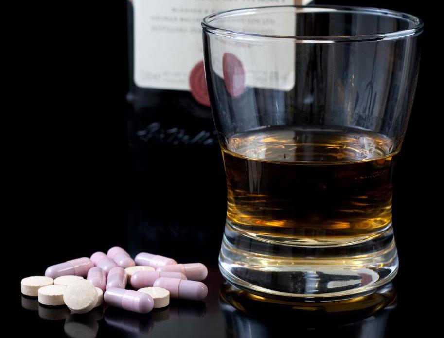 Пациенты, находящиеся в стационарной реабилитации алкоголем, не имеют доступа к наркотикам и алкоголю.
