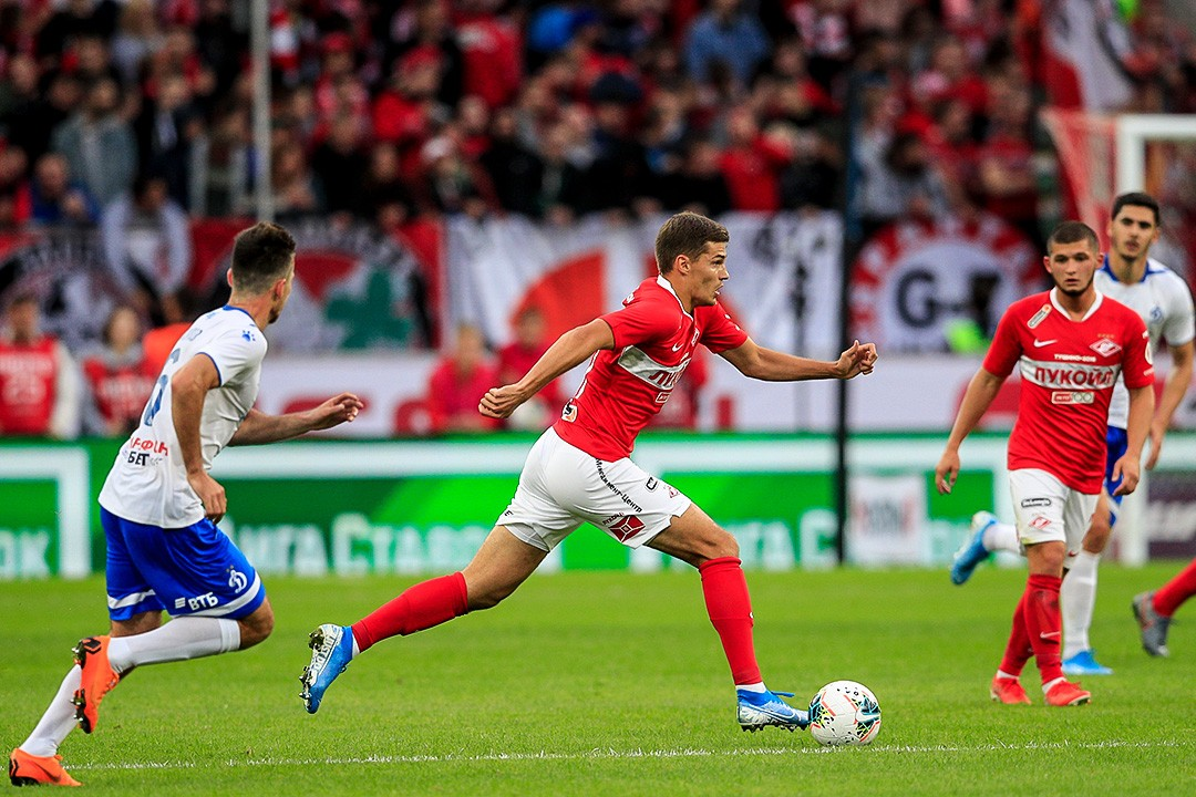 Роман Зобнин: Почему не забил в конце матча? Ноги у меня кривые