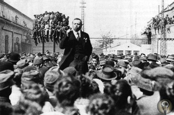 «Бела Кун превратился в гения массового террора» «Венгерский коммунист Бела Кун, ставший во главе Федерации иностранных граждан, часто бывал у нас дома. Был он с виду угрюм, на первый взгляд
