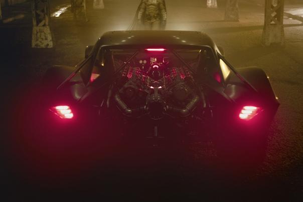 Мэтт Ривз поделился первым взглядом на Бэтмобиль в грядущем сольнике «Бэтмена»