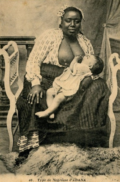 КОРМИЛИЦЫ В ИСТОРИИ Традиция нанимать кормилиц для своего ребенка стала популярна в европейских странах еще в 15 веке. Тем не менее, уже тогда в различных странах было подмечено, что кормление