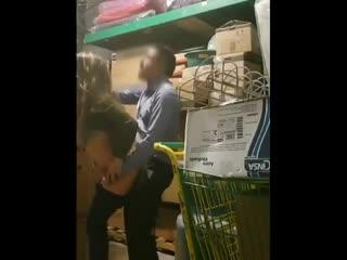 Скрытая камера в подсобке, начальник трахает подчинёную, домашнее порно, секс, boss fuck, spy cam sex, amateur, security camera