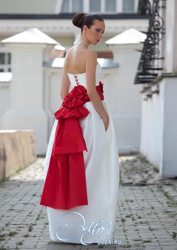 Платье с красным поясом 8