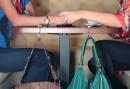 ...выглядит держатель для сумки в интерьере и какие функции они выполняют.