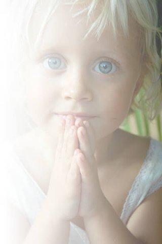 Вы можете не верить в ангелов, но ангелы верят в вас. X_4011f626