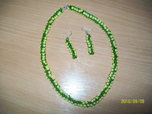 посмотри и выбирайте,размер сделаю любой.  5. браслеты,серьги,колье,бусы,ожерелья из бисера.