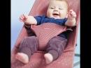 Чем уникален детский шезлонг babybjorn? Мамины руки свободны🙌 Можно использовать как качели и как естественный тренажёр разви