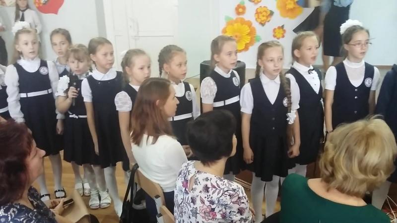 Моя Жар-птица с Машей и девочками чествуют учителей нашей школы