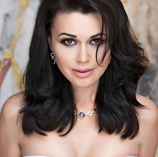 Анастасия Заворотнюк выиграла суд и выплатила миллионные долги