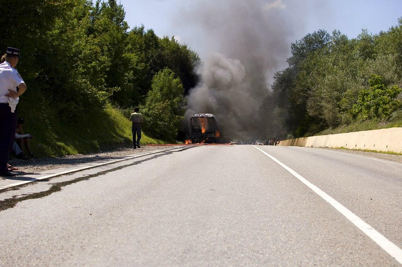 М4 ДОН ДТП Дефановка Краснодарский край автобус сгорел пожар 07.07.2013