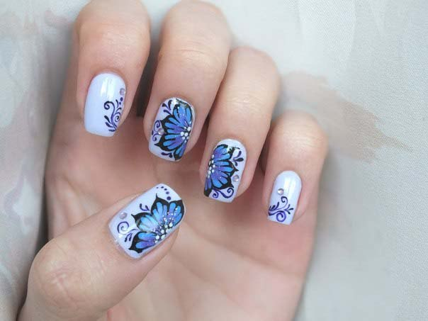 Рисунок на однотонных ногтях
