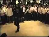 Странно видеть хасидского еврея, танцующего Майкла Джексона