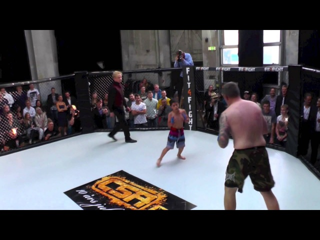 Christian Colombo (120 kg) vs. Osama Samsam (39 kg)