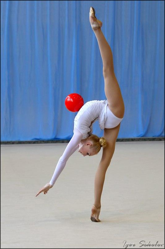 Взрослые гимнастки онлайн