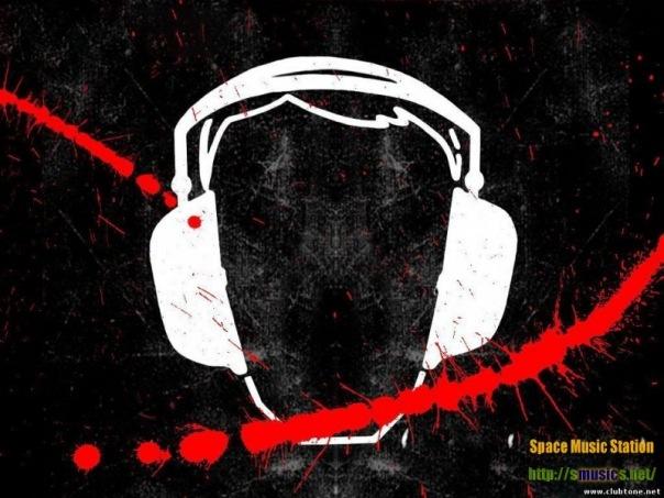 хорошая штука Голова с музыкальными наушниками. http://best-dubstep.ru.