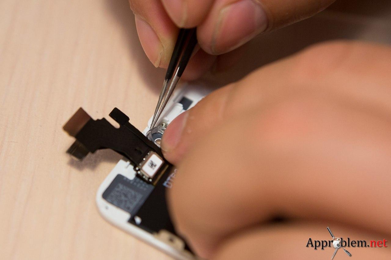 Замена разбитого дисплея Apple iphone 5