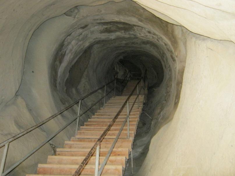 туннель в монастыре Уплисцихе